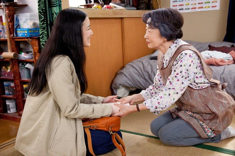 tokyo-story-tomiko-und-freundin.jpg