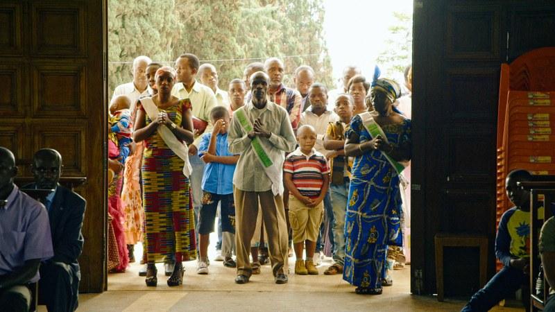 Gläubige in der Kirche von Bukavu, Süd Kivu © Vinca Film